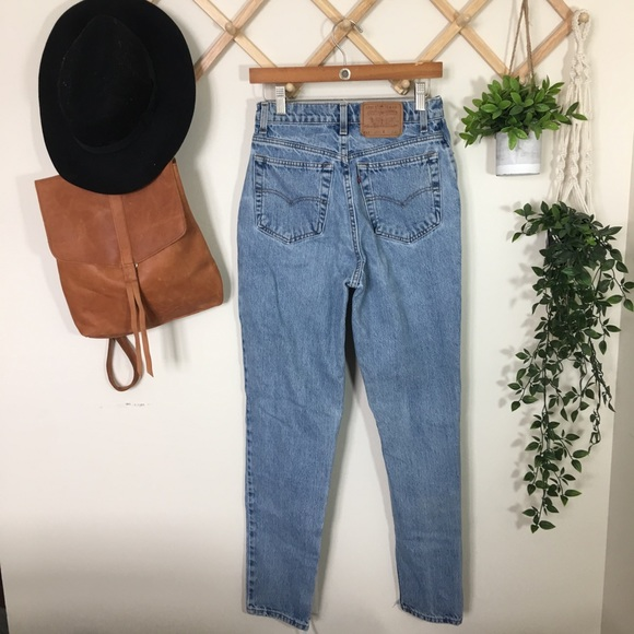 Levi's | 512 Vintage High Waisted Mom Jeans P342